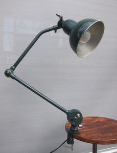 LAMPE-ETAU-ELAU-VERTE-R1479-013.JPG
