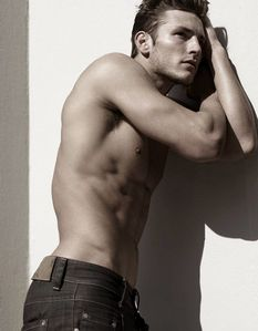 gallery_enlarged-parker-gregory-shirtless-male-model-photos.jpg