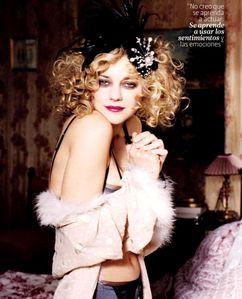 marion-cotillard-en-lingerie-dt-magazine-3.jpg