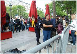 Paris defile du 14 juillet 2012 fouille au corps