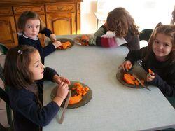 école ste anne feugarolles cuisine maternelle nov 2012 016