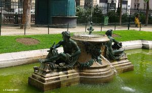 Fontaine-des-Arts-et-M-tiers-FontainesP6124-rot.jpg