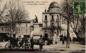 place-leon-gambetta-03