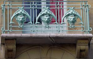 Guimard---balcon-Castel-Beranger.png