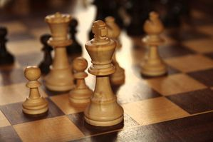 800px-Chess-king