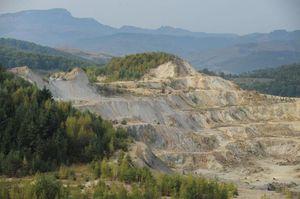 564558-le-site-concerne-par-le-projet-de-mine-d-or-canadien.jpg