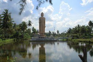 memorial buddha statue sri lanka tsunami