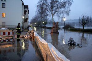 00hochwasser11.1. 8Uhr3
