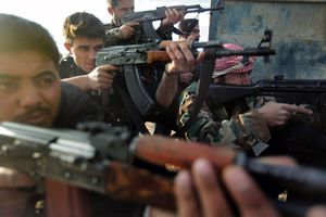free-syria-army-brandishes-weapons-data1.jpg
