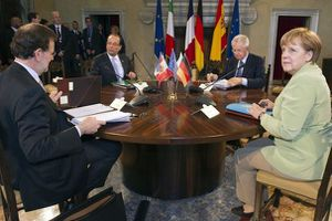 77847_from-l-spanish-prime-minister-rajoy-french-president-.jpg