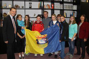 Mittelschule-in-Greve--Fahne-Uebergabe.jpg