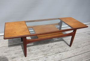 TABLE-BASSE-AVEC-VERRE-GPLAN-R1472.JPG