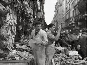 rue-Montorgueil-1953---Atelier-Robert-Doisneau.jpg