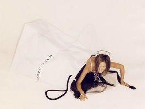 victoria-beckham-marc-jacobs-out-of-the-bag.jpg