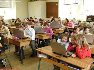 016-haute-marne-avril-2006-ordinateurs-ecole-primaire-somme.jpg