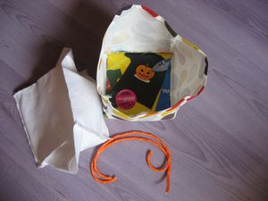 trousse-carree-pour-maquillage--cache-pot-ou-vide-copie-3.jpg