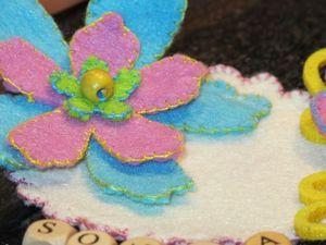badge-detail-fleur.jpg