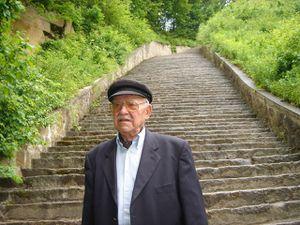 Francisco Ortiz en bas du terrible escalier de Mauthausen 2