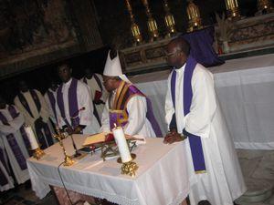 Messe suffrage Mgr NYEME et agapé 031