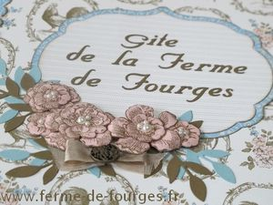 livre-d-or-chaumiere-fourges-detail.jpg