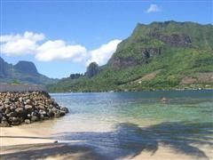 1303632125_cook-s-bay-moorea-french__wince_.jpg