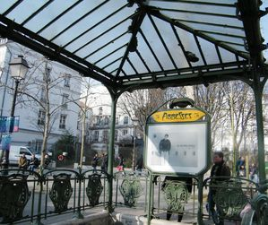 place-des-abbesses-030.JPG