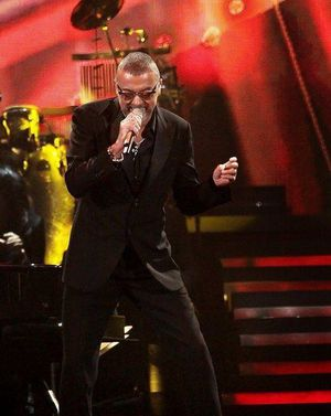 george-michael-performing-his-symphonica-tour-at_5916854.jpg