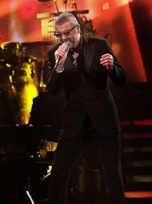 george-michael-performing-his-symphonica-tour-at_5916853.jpg