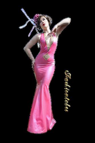 femme robe rose