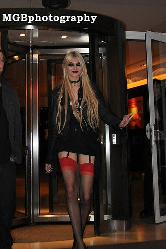 taylor momsen stockings
