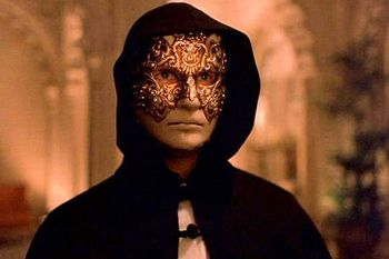 eyes-wide-shut3.jpg