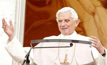 Benoit-XVI-met-en-valeur-la-coresponsabilite-des-laics_arti.jpg