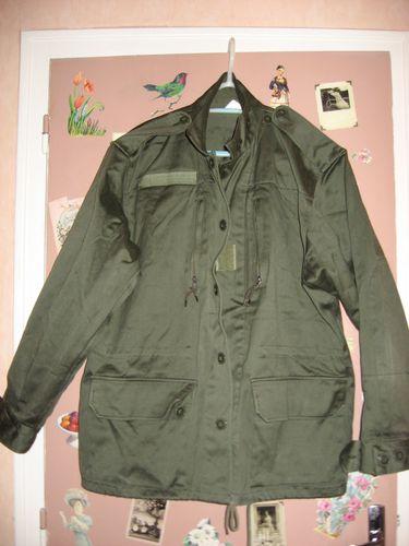 customisation--feminisation-veste-militaire-avec-tissu-lib.jpg