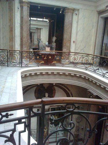1er étage musée jacquemart-escalier