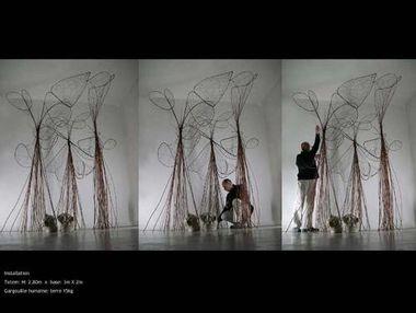 lili-oto artiste plasticien installation: l'âme des guerriers ou l'ethnologie de l'insignifiant: sculptures et installation artistique