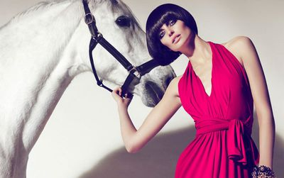 woman_and_horse-987381.jpg