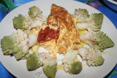 omelette-tomate-confite-et-romanesko.JPG