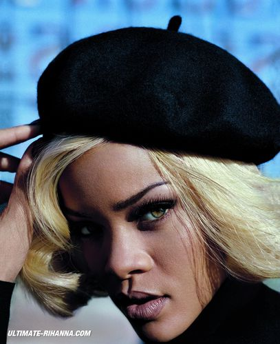 Rihanna-VOUGUE-UK-November-Photo-gros-plan.jpg