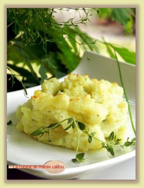 ecrasee-de-pdt-a-l-huile-d-olive--thym-et-ciboulette.jpg