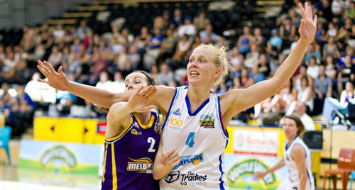 Abby BISHOP (Canberra) Michelle COULING