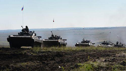 une-colonne-de-vc3a9hicules-blindc3a9s-russes-ria-novosti-p.jpg