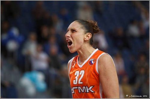Diana TAURASI (Ekaterinbourg) @S. Moscou R. Youlia FEDOSSEE