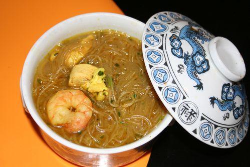 soupe thaï au poulet et gambas 06 10 001
