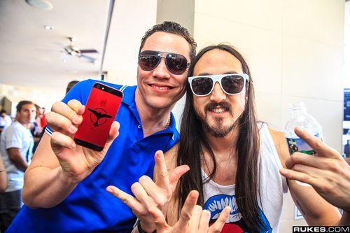 Tiësto & Steve Aoki Wet Republic 28 april 2013 (2)