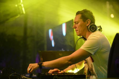 Tiesto-XBOX-private-party-at-Cannes---France-19-ju-copie-11