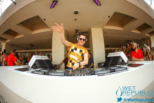 Tiësto Wet Republic las Vegas 06 july 2013 (1)