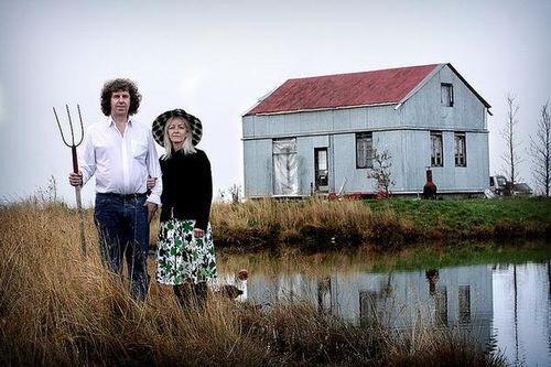couple_in_front_of_summerhouse.jpg