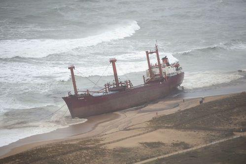 cargo-Bremen-echoue-Etel-3.JPG