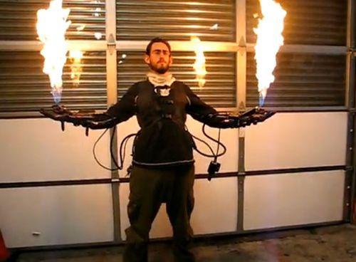 armure-lance-flamme.jpg
