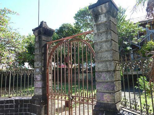 ecole-st-charles-portail.JPG
